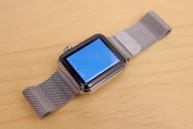 This guy install Windows95 on a Apple iWatch [