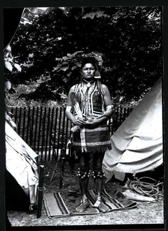 Nel 1895 lo zoo di Cincinnati ospitava un centinaio di Sioux.
