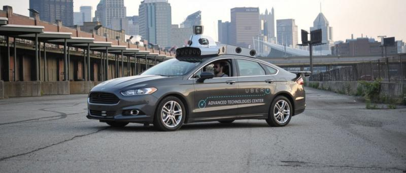 UBER oggi inaugura il servizio Taxi SENZA PILOTA a Pittsburgh.