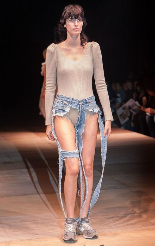 Arrivano i Thong Jeans.