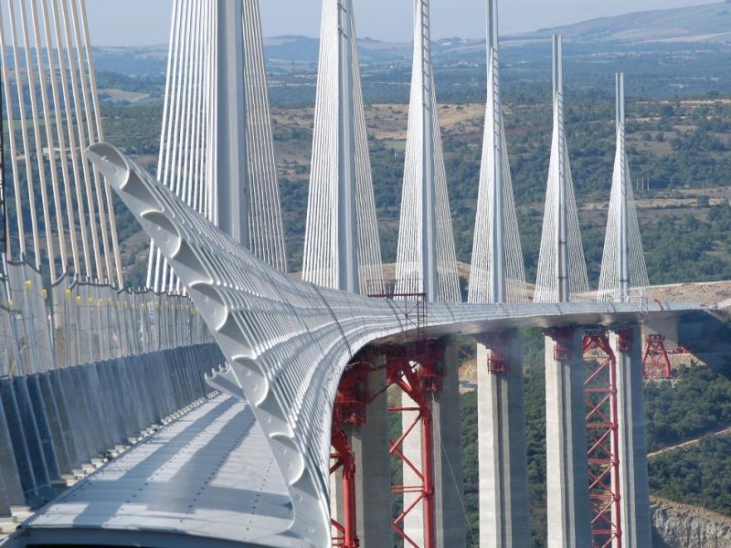 800 ponti a rischio collasso in Francia La tragedia di Genova ha lanciato un allarme seguito subito da moltissimi paesi, ora tutti controllano tutto.